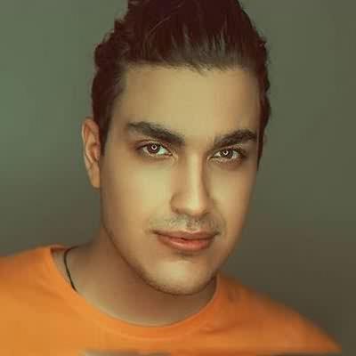 دانلود آهنگ تو که باشی عشقم همیشه روز عشقه علیرضا خان