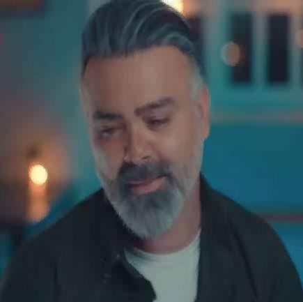 دانلود آهنگ جای من نبودی نفهمیدی حالمو علی درخشان